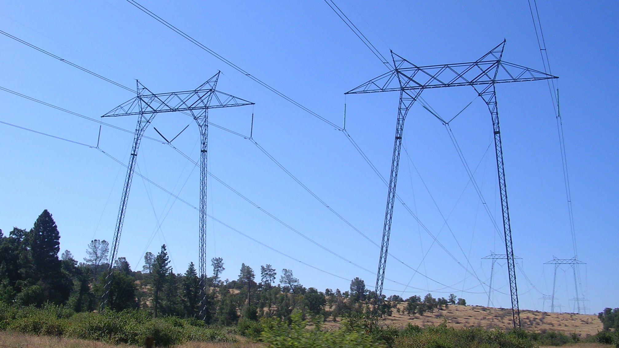 Im Norden vom Kalifornien sollen in wenigen Stunden gut 800.000 Haushalte vom Stromnetz getrennt werden. Der Grund ist eine erhöhte Feuergefahr.