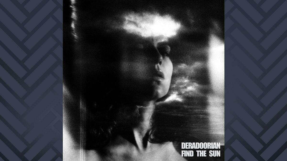 """Albumcover zu """"Find the Sun"""" von Deradoorian: Schwarz-weuß Porträt von einer Frau, verschwommen."""