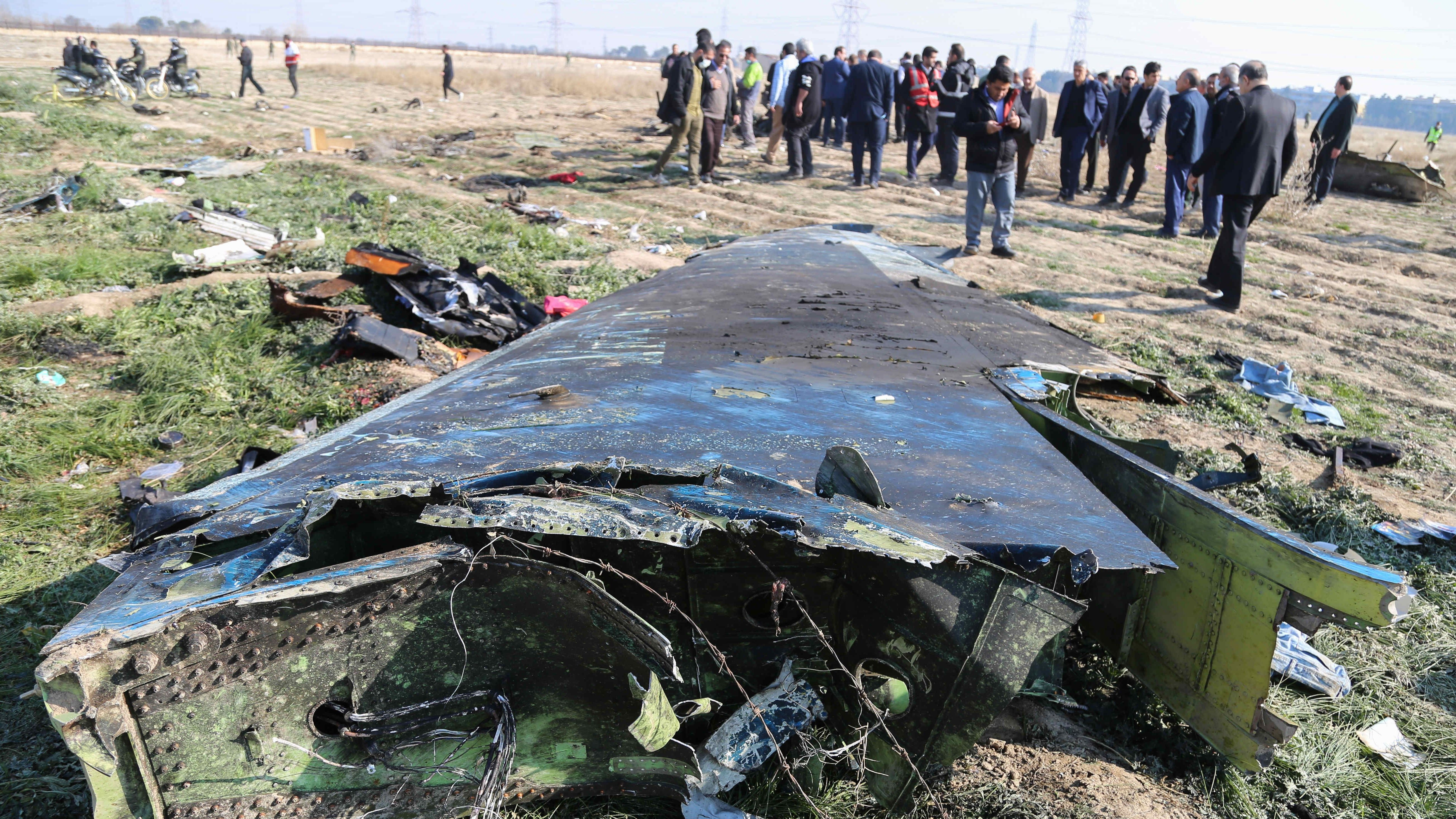Wrackteile der abgeschossenen Passagiermaschine