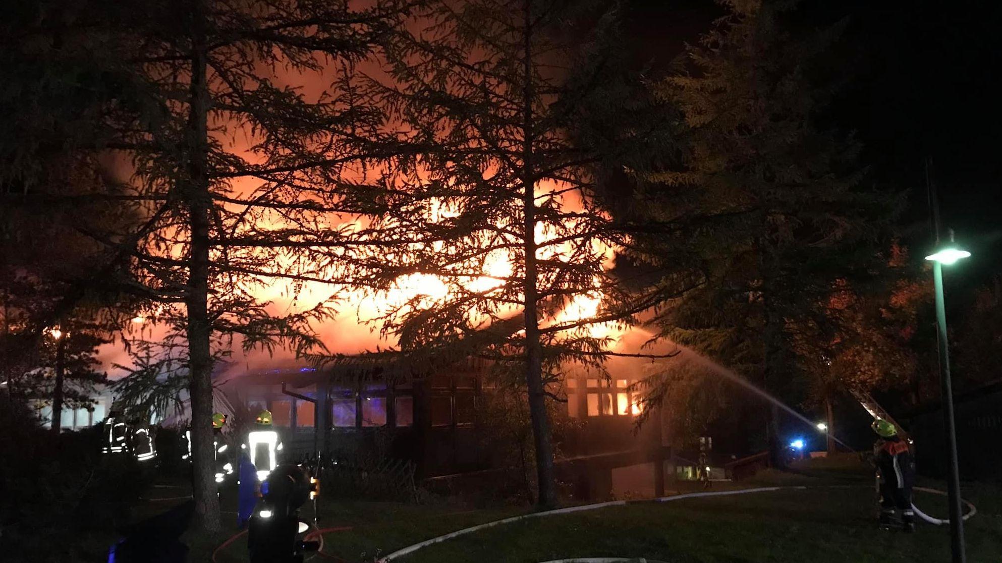 Großbrand in Berchtesgaden: Feuerwehren im Löscheinsatz