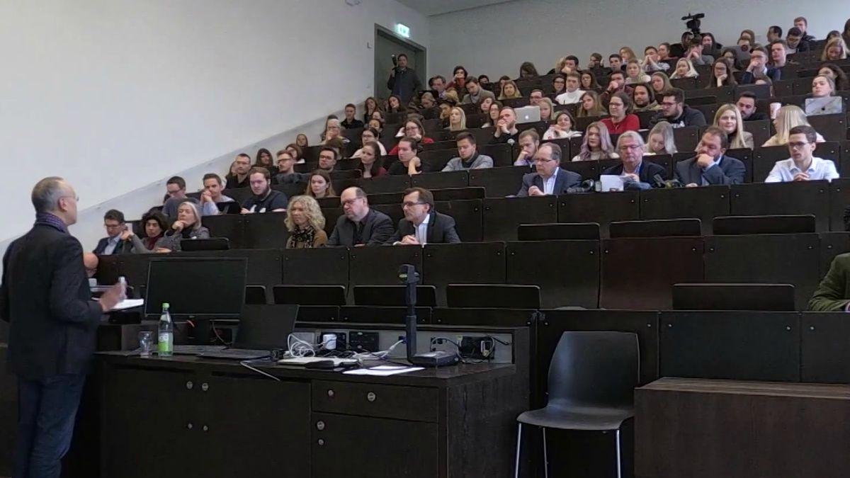 Tagung an der Hochschule Ansbach zum Thema Qualitätsjournalismus.
