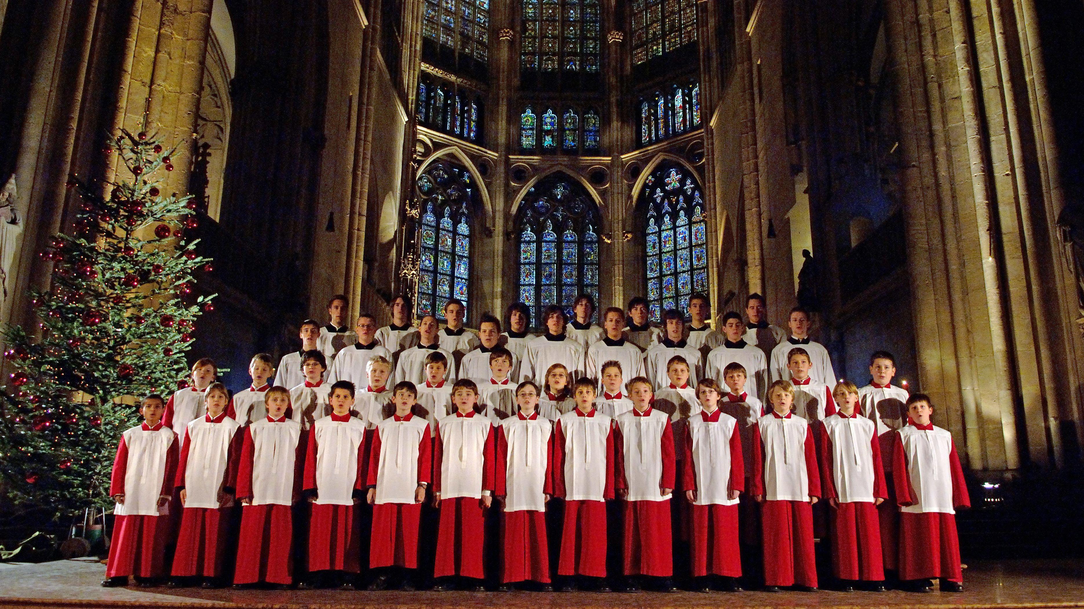 Die Domspatzen singen im Regensburger Dom St. Peter.