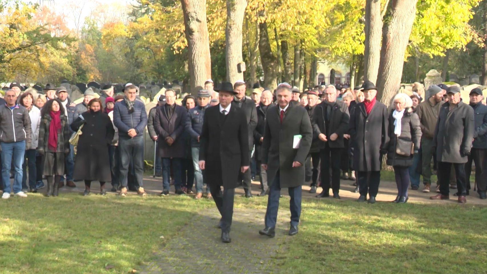 Kranzniederlegung am Isrealitischen Friedhof in Nürnberg