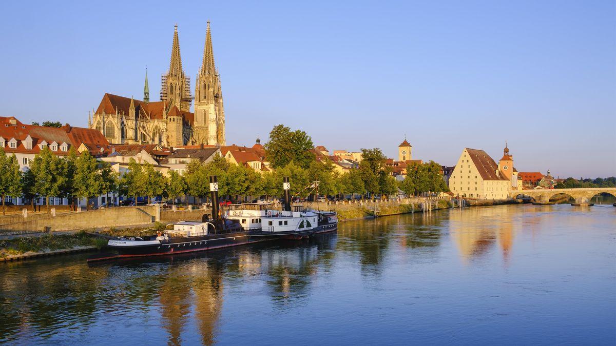 Stadt Regensburg mit Donau