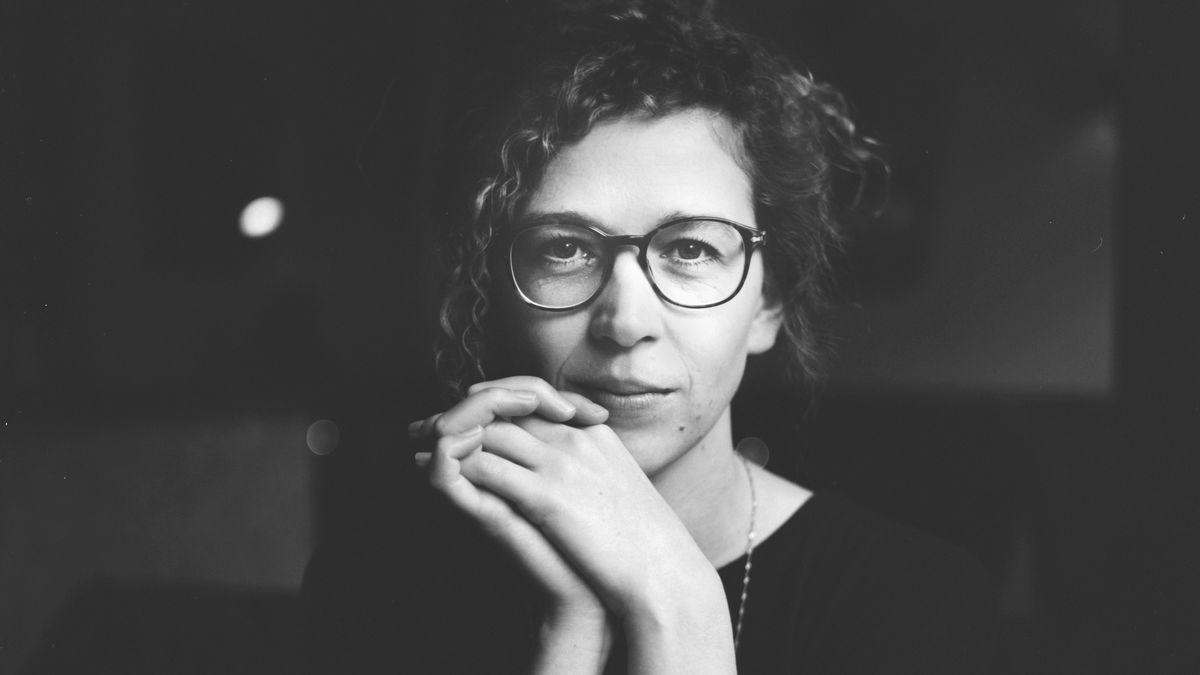 Die Autorin Franziska Seyboldt, Schwarz-Weiß-Aufnahme