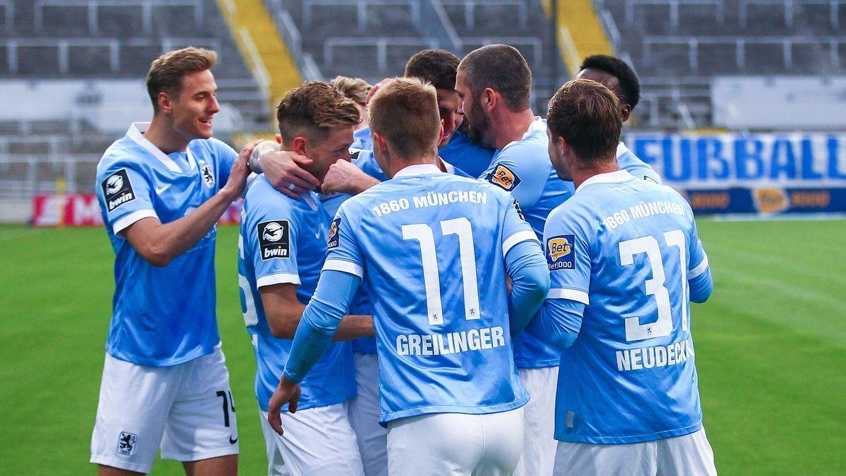 Jubel bei den Spielern des TSV 1860 München