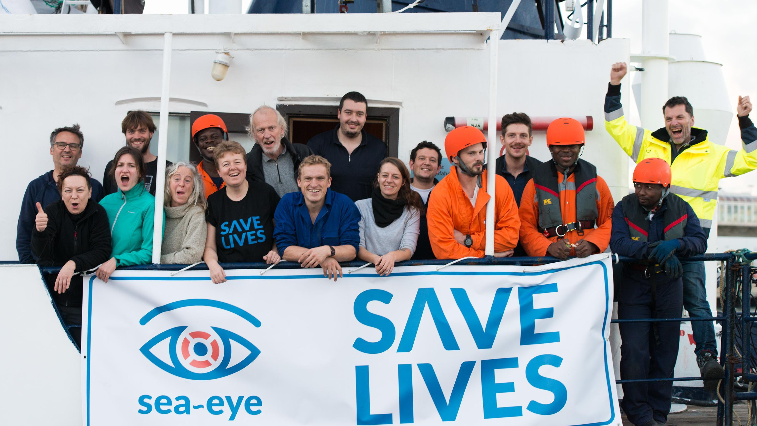 """Die Crew der """"Sea Eye 2"""""""