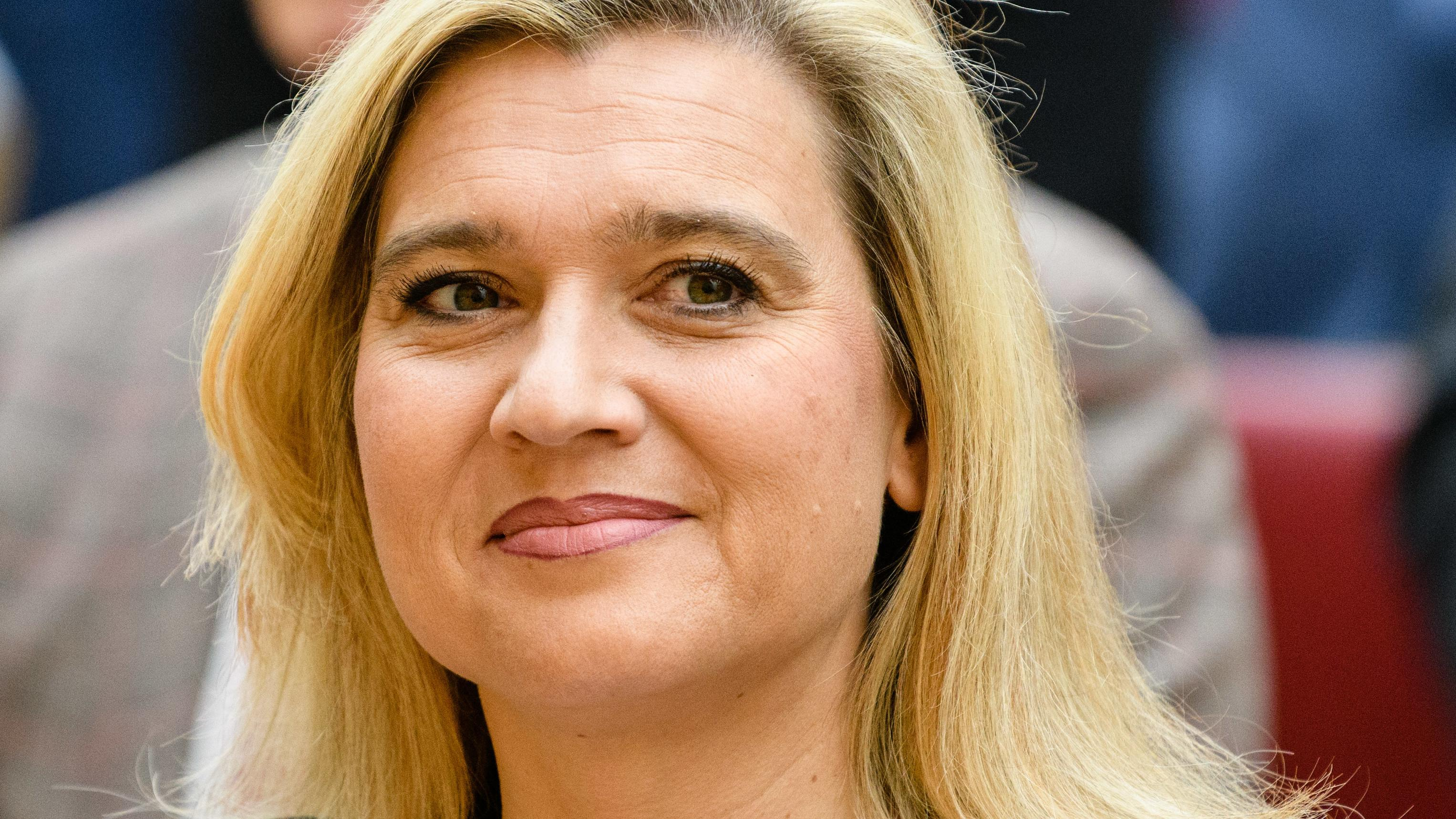 Melanie Huml bei der Vereidigung des bayerischen Kabinetts im bayerischen Landtag im November 2018