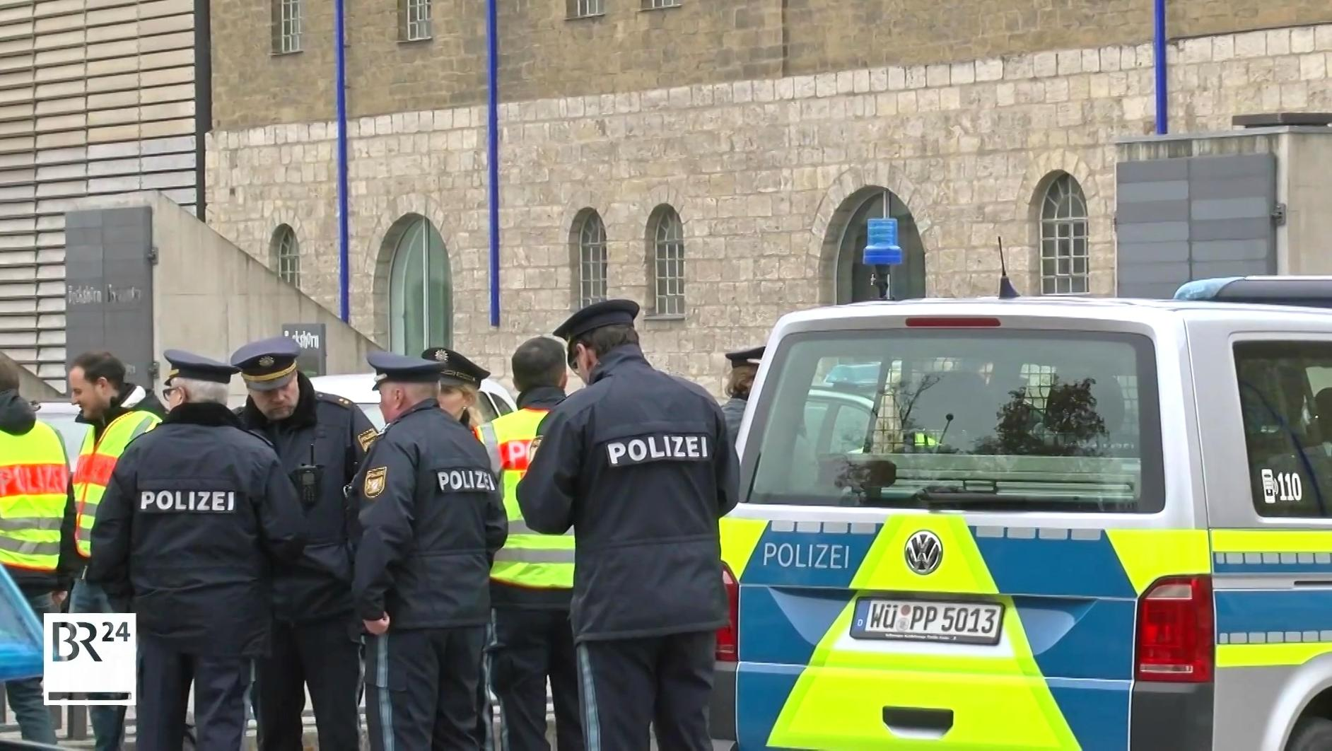 Polizeieinsatz vor Würzburger Kulturspeicher