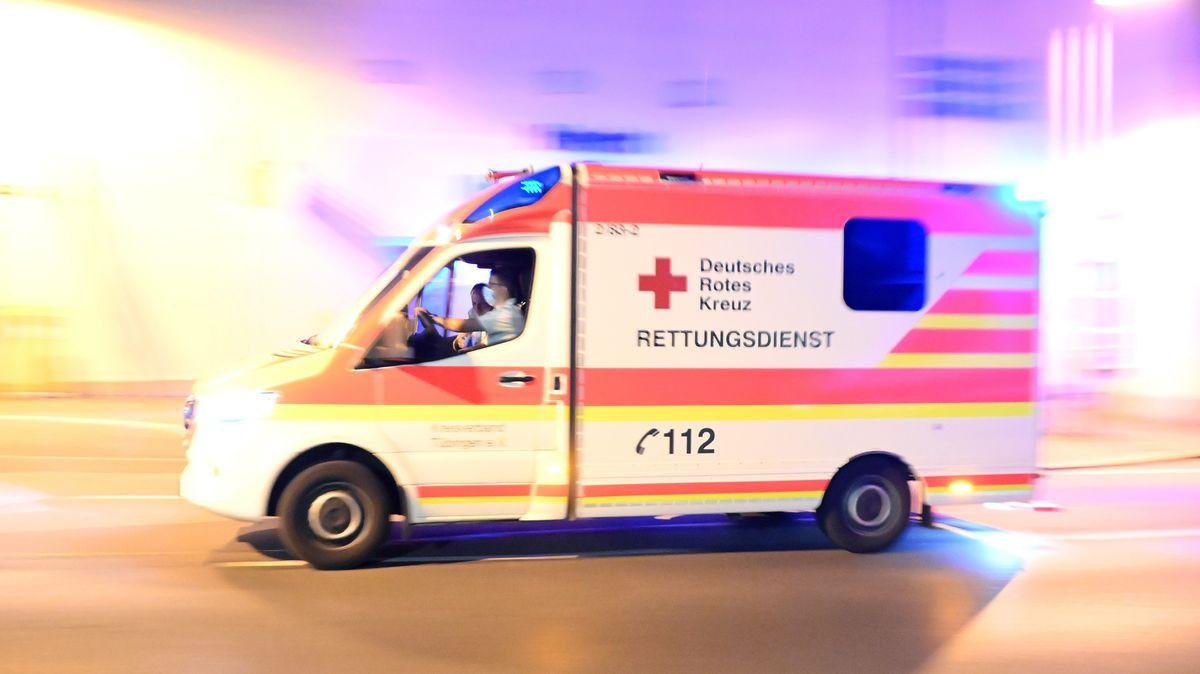 Symbolbild: Krankenwagen im Einsatz