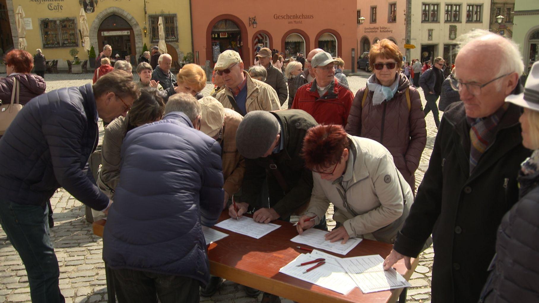 Unterschriftensammlung in Rothenburg ob der Tauber