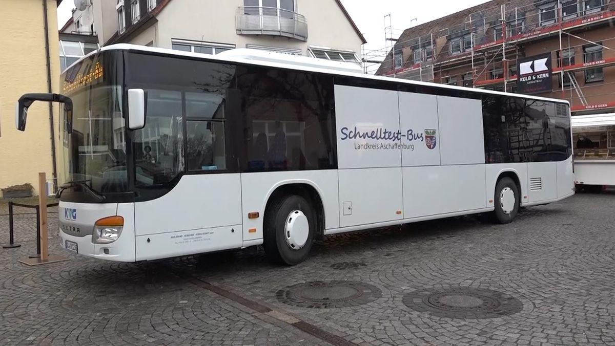 Der Corona-Schnelltestbus des Landkreis Aschaffenburg