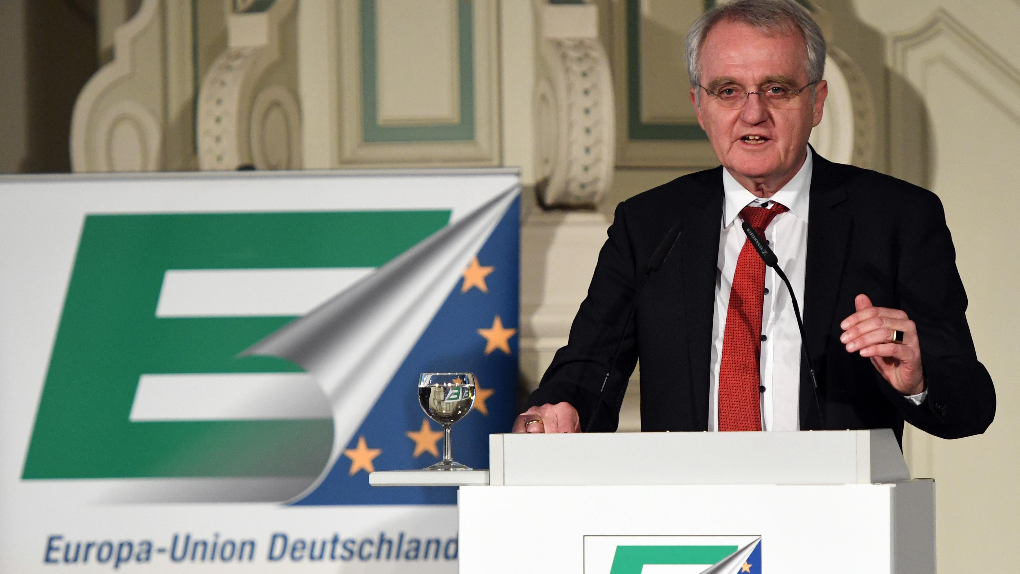 Europa-Union spricht mit Bürgern in Aschaffenburg