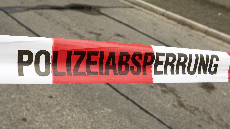 Die 500-Kilo-Bombe wurde in der Obertraublinger Anno-Santo-Siedlung gefunden. Die Polizei hat einen Sperrradius von 700 Metern ausgewiesen.