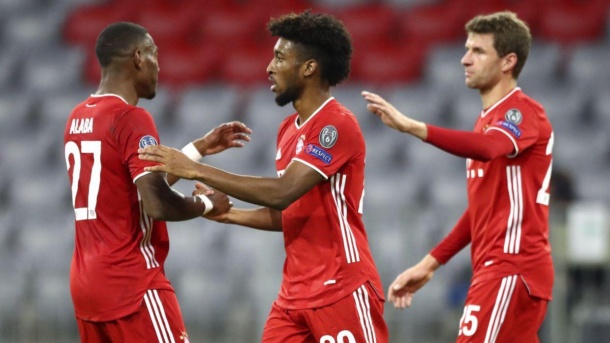 David Alaba und Thomas Müller gratulieren Doppeltorschütze Kingsley Coman (Mitte)