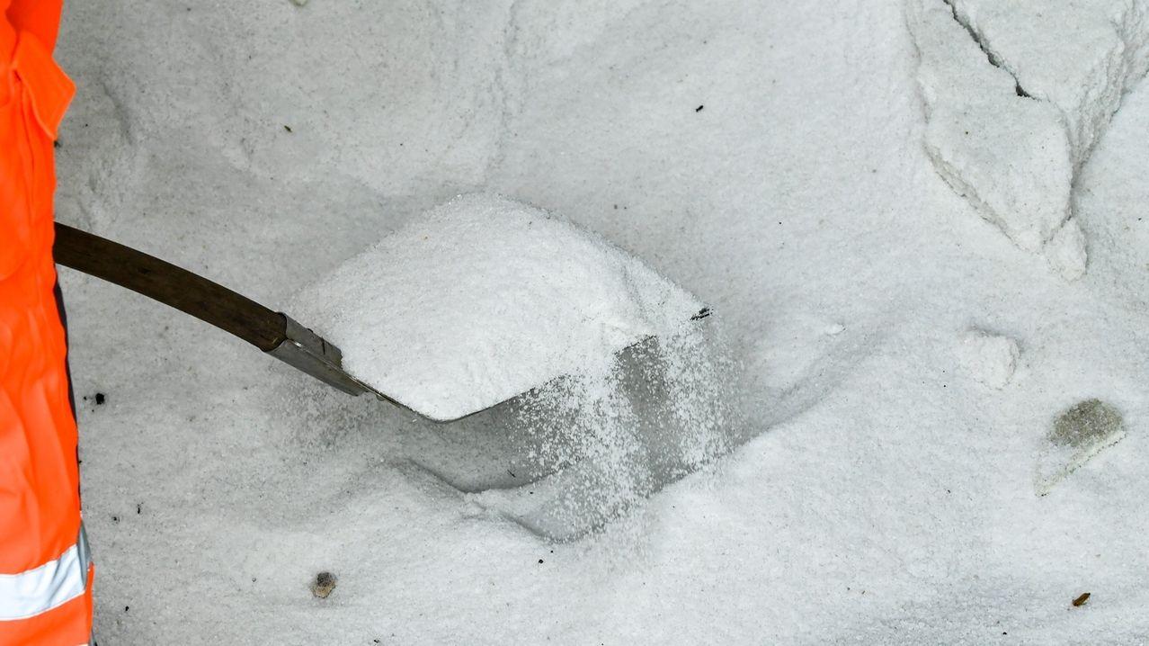 Streusalz für den  Wintereinsatz. (Symbol)