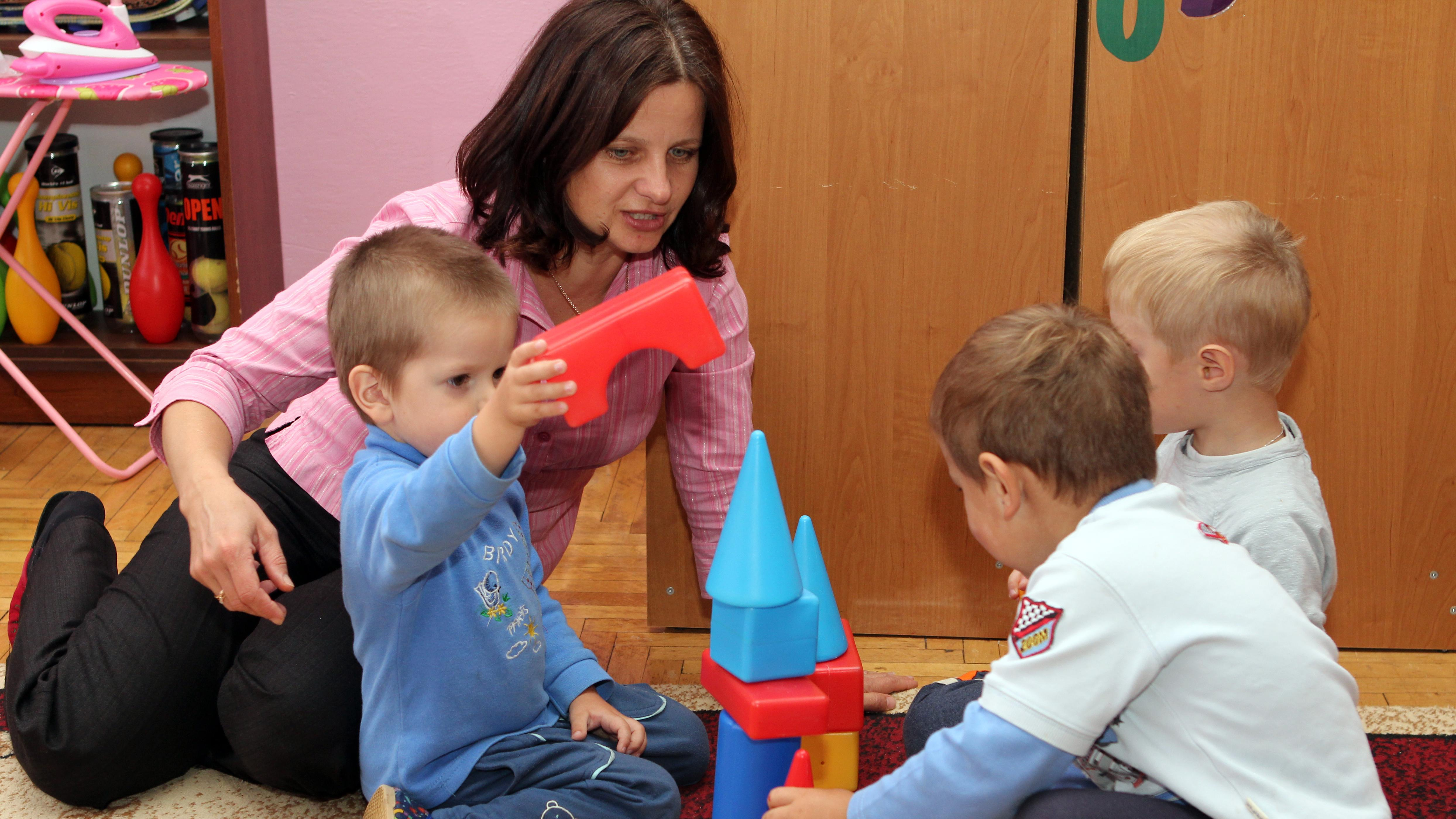 Symbolbild: Kinderbetreuung daheim