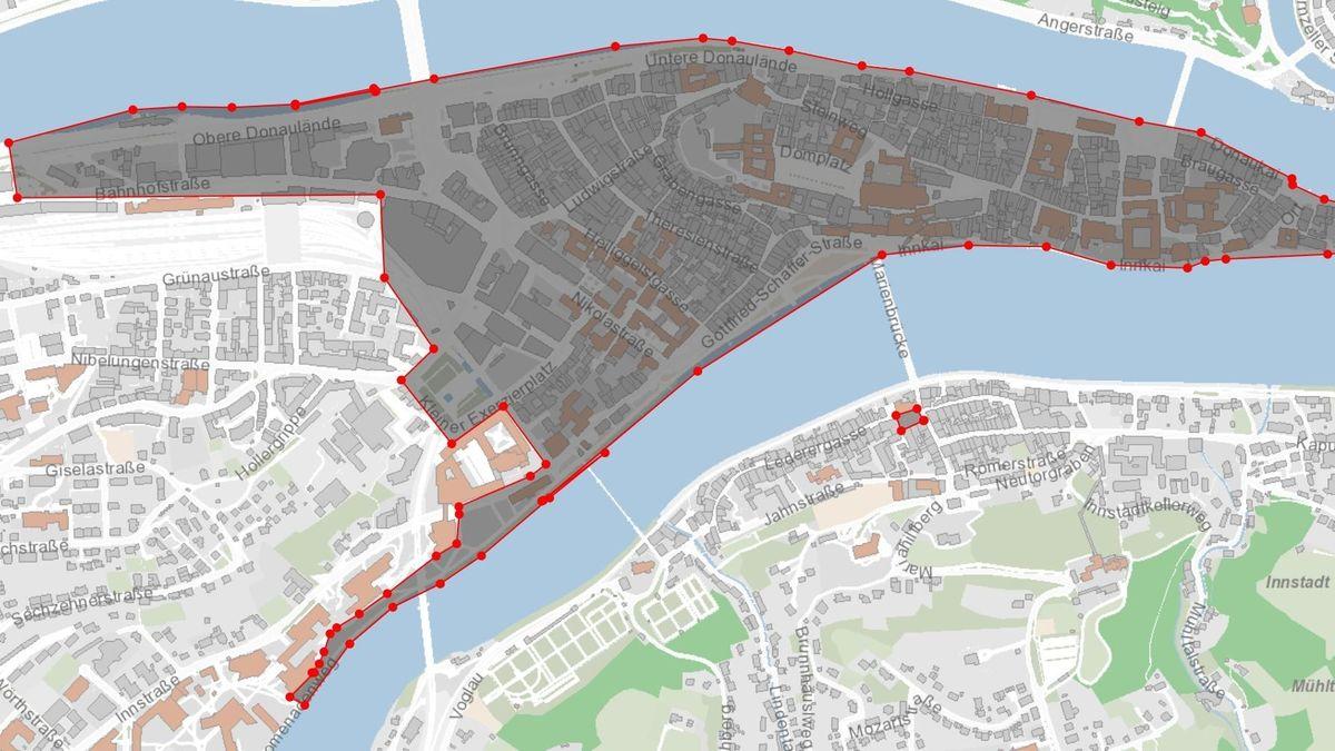 Eine Karte von der Passauer Innenstadt. Im markierten Bereich gelten ab Donnerstag Maskenpflicht und Alkoholverbot ab 22 Uhr