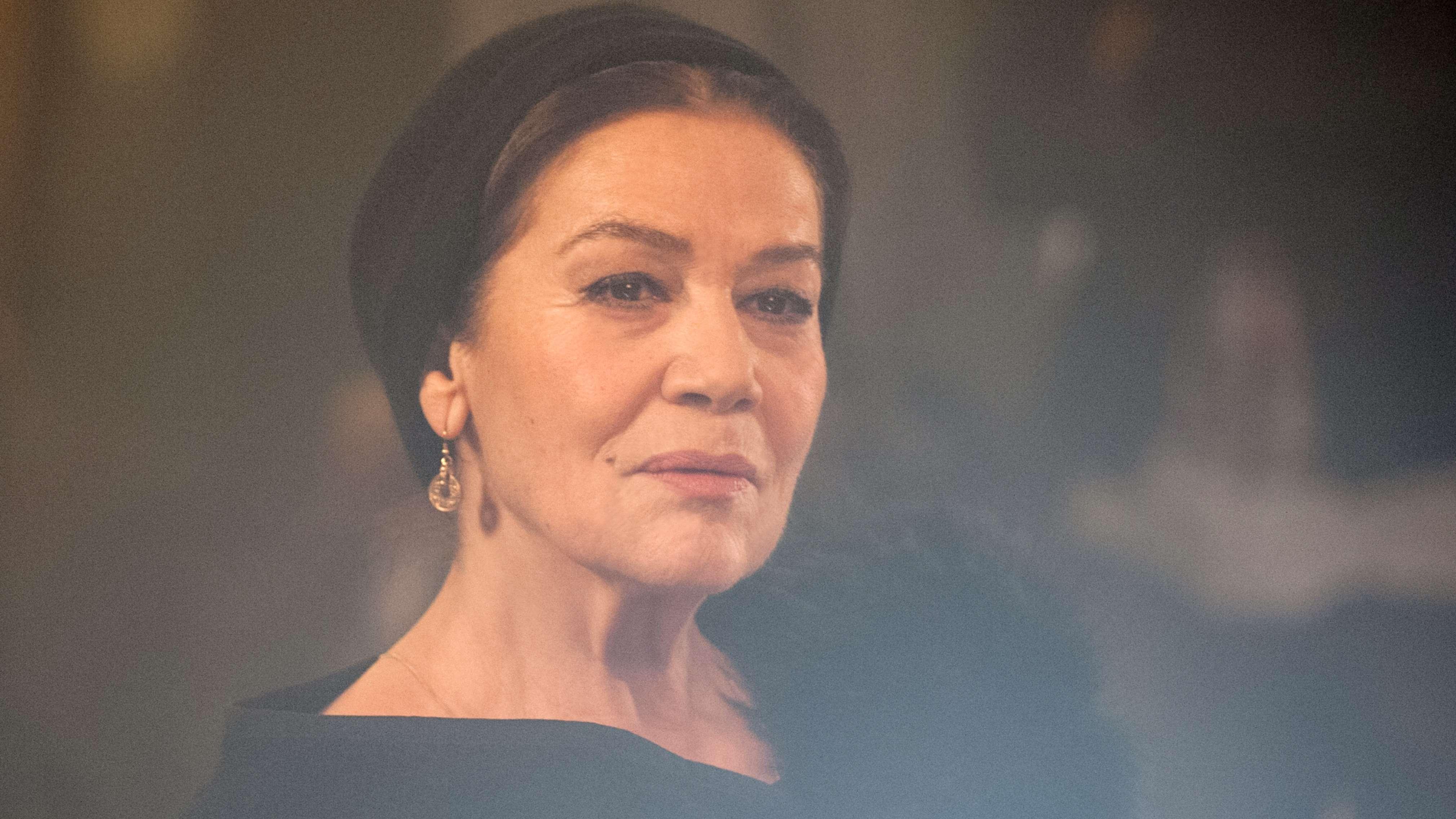 """Hannelore Elsner als ehemalige Cabaret-Sängerin Ruth in """"Auf das Leben!"""" (2014)"""