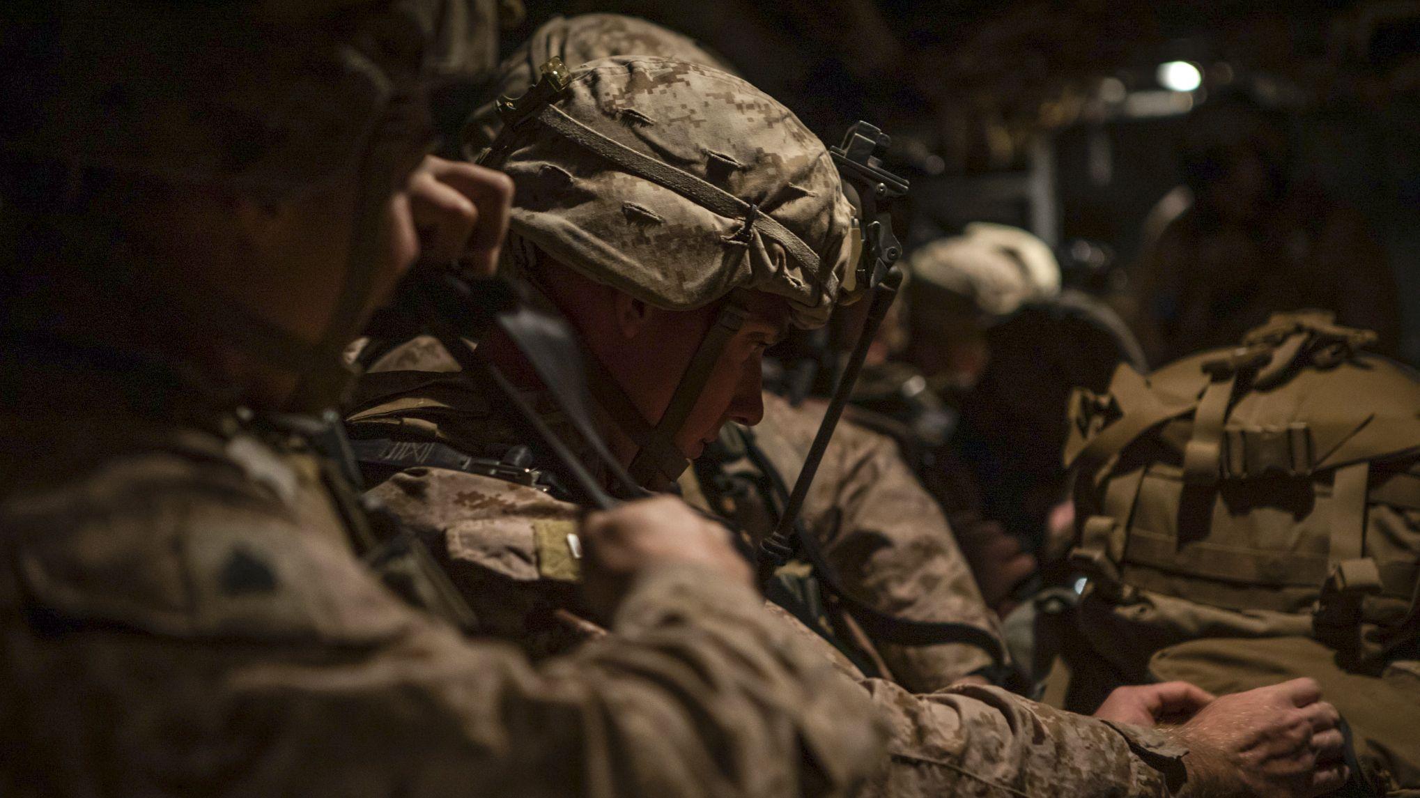 Symbolbild: US Marines in Transportflugzeug