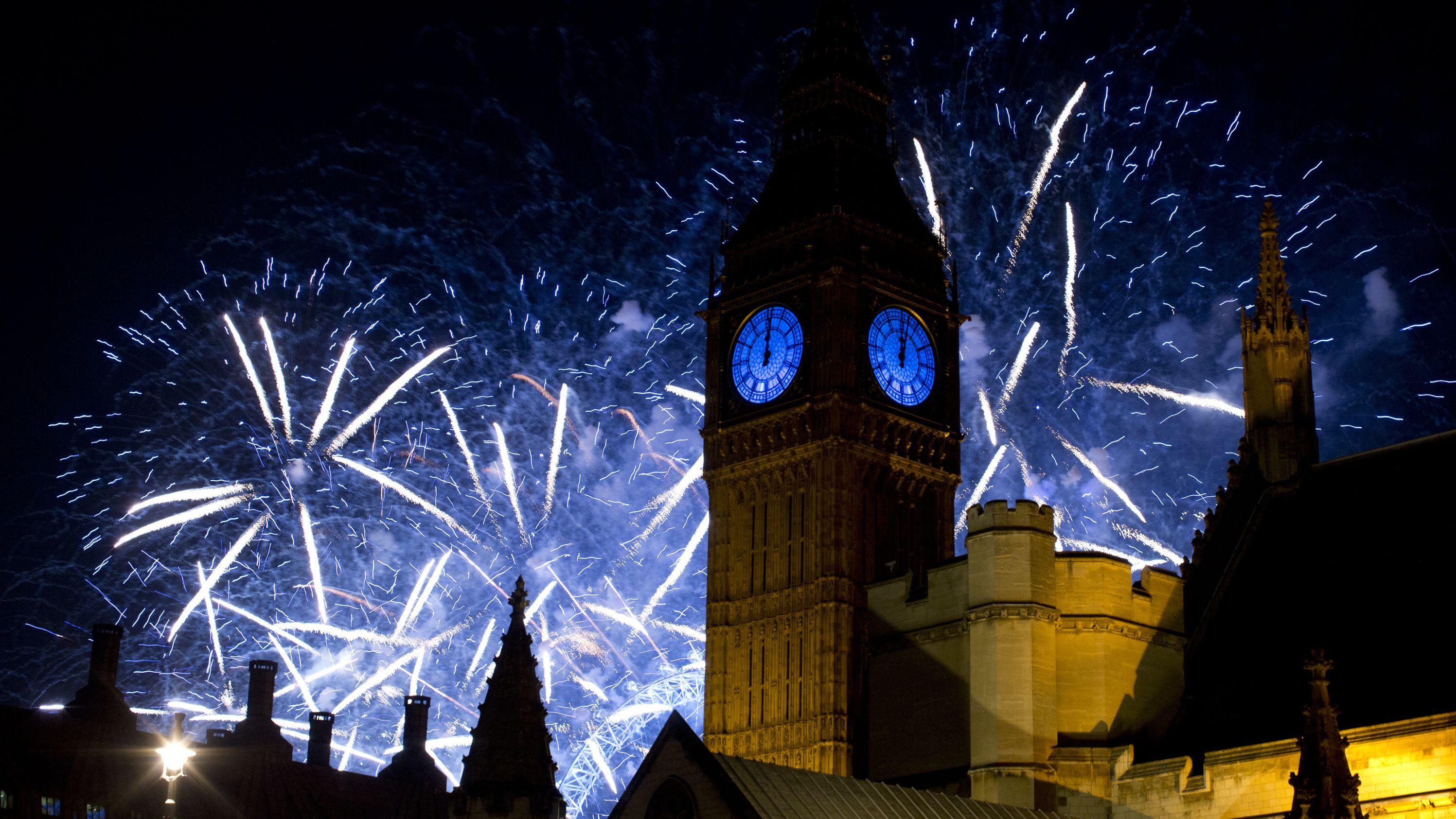 Big Ben in London beim Silvesterfeuerwerk