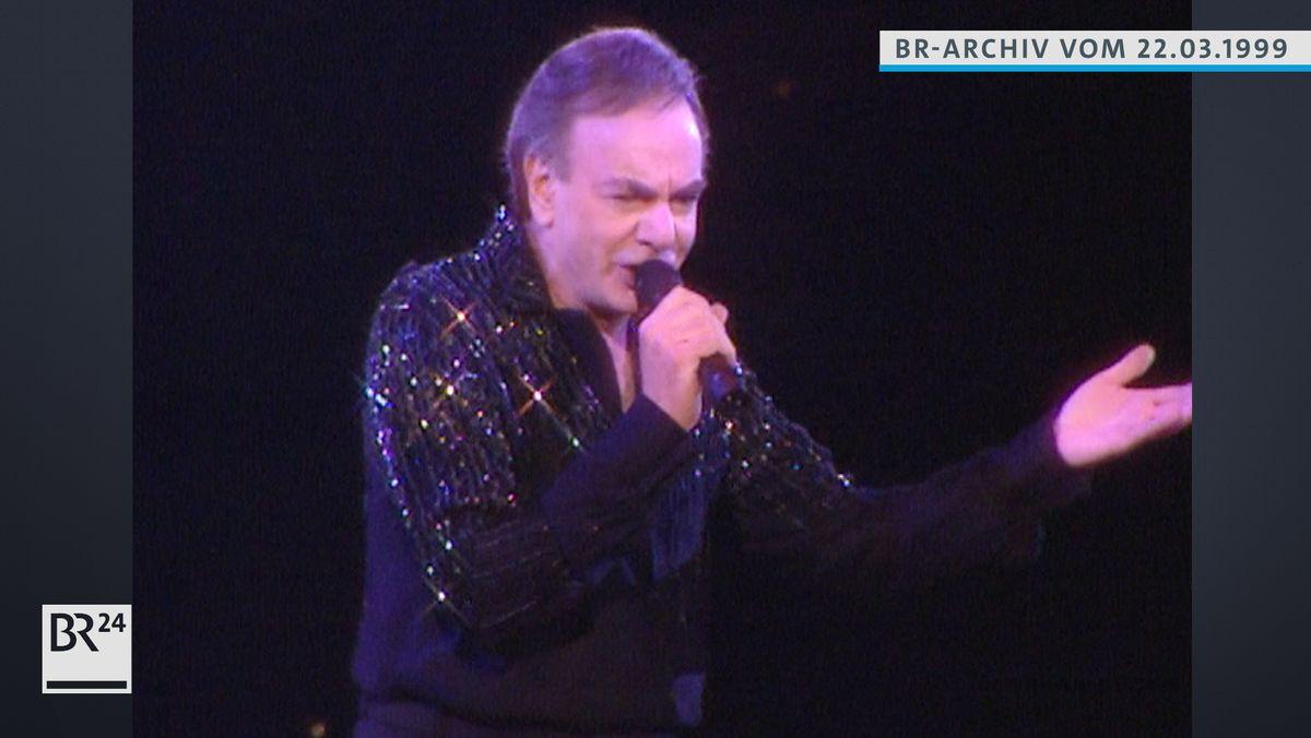 Neil Diamond beim Singen
