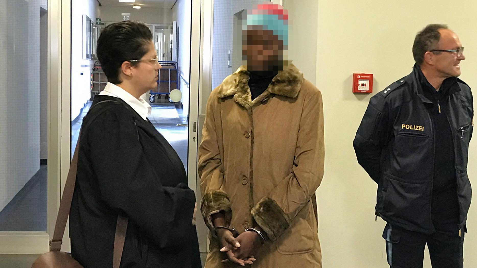 Angeklagte Nigerianerin vor Gericht