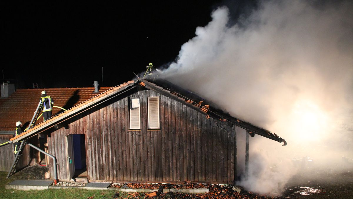 Feuer im Waldmuseum Ebersberg.