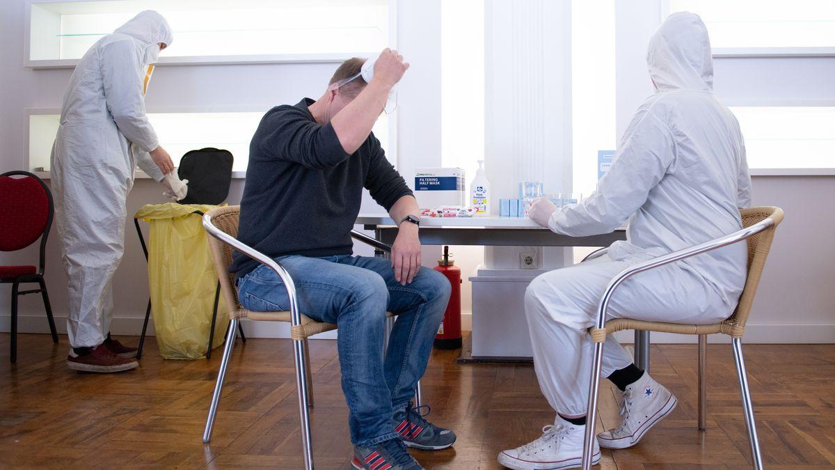 Die Gesundheitsämter in Deutschland haben 27.543 Corona-Neuinfektionen und 265 weitere Todesfälle innerhalb von 24 Stunden gemeldet.