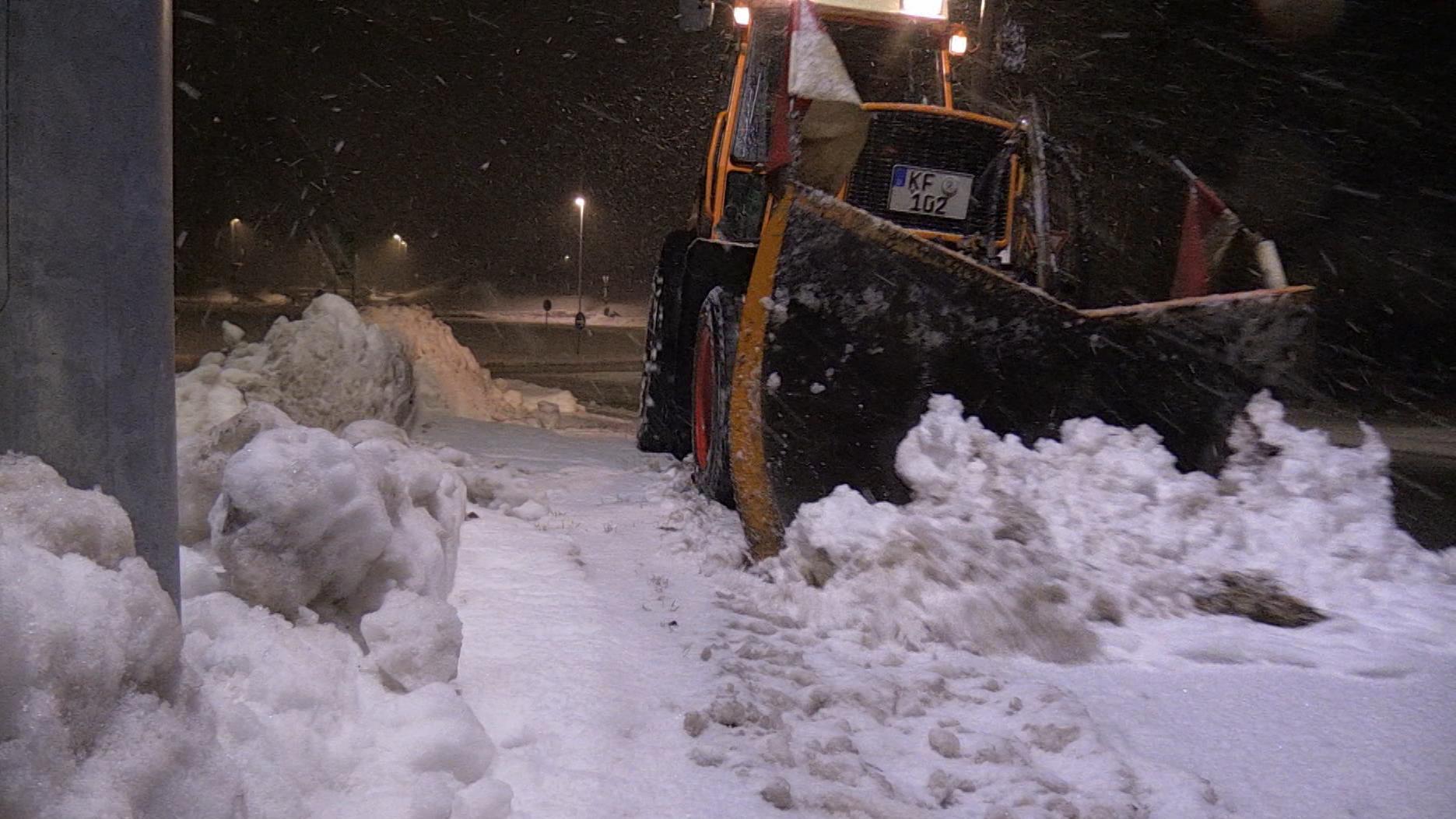 Schnee-Alarm: Schulen im Allgäu dicht, A8 gesperrt
