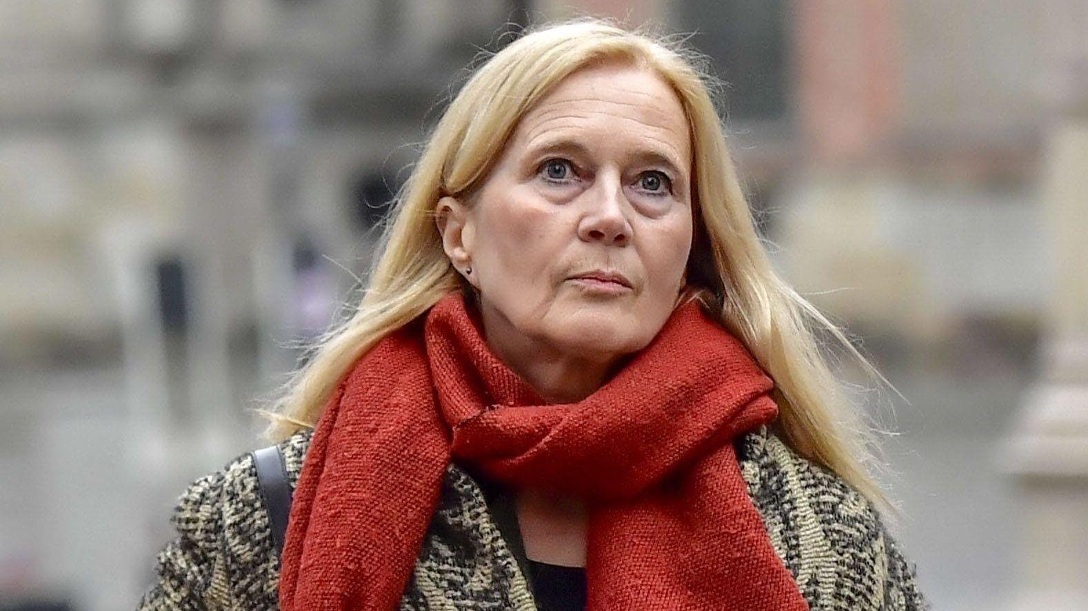 Katarina Frostenson auf dem Weg zum Prozess gegen ihren Ehemann