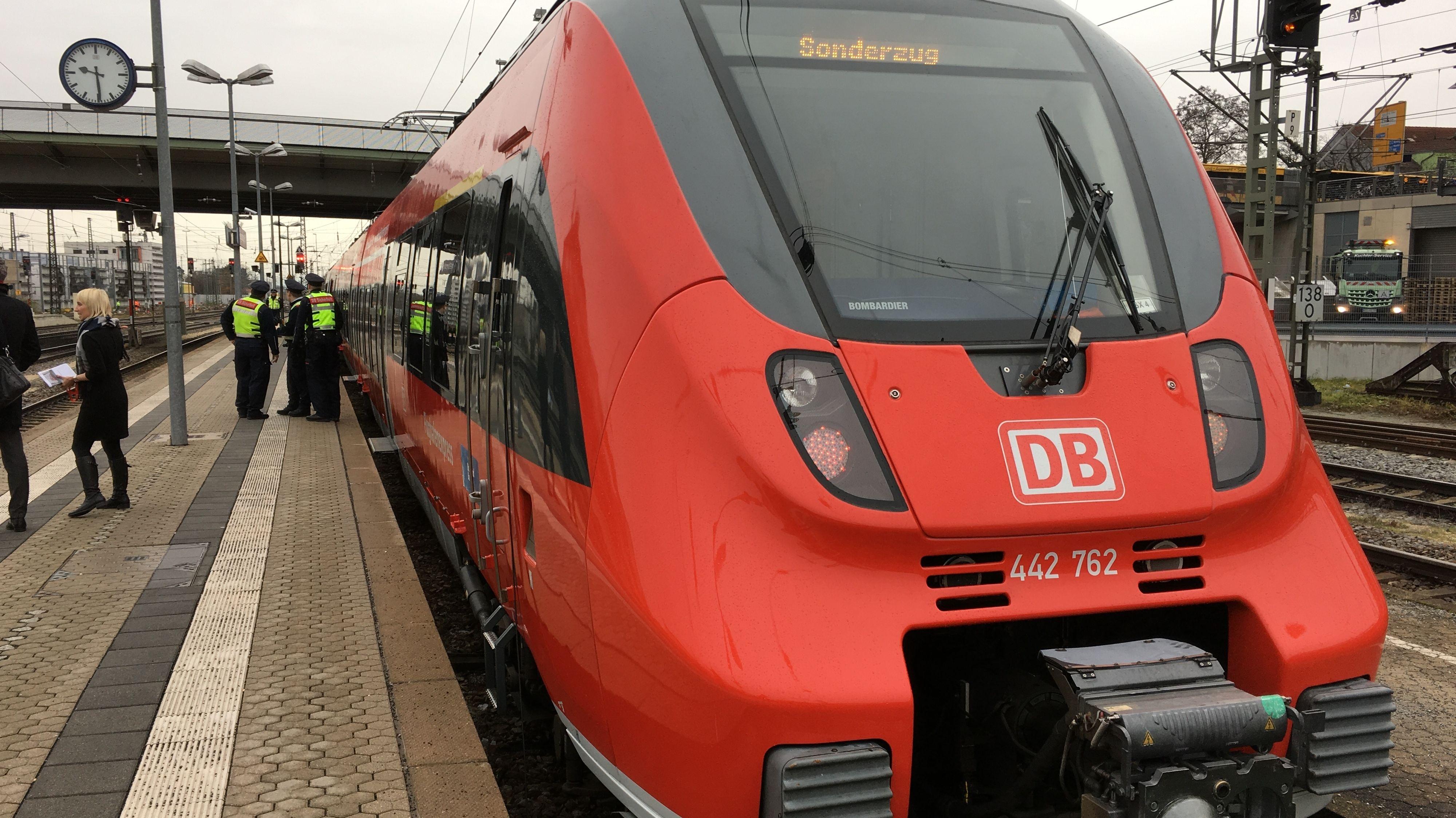 Aktueller Flughafenexpress von Regensburg nach München