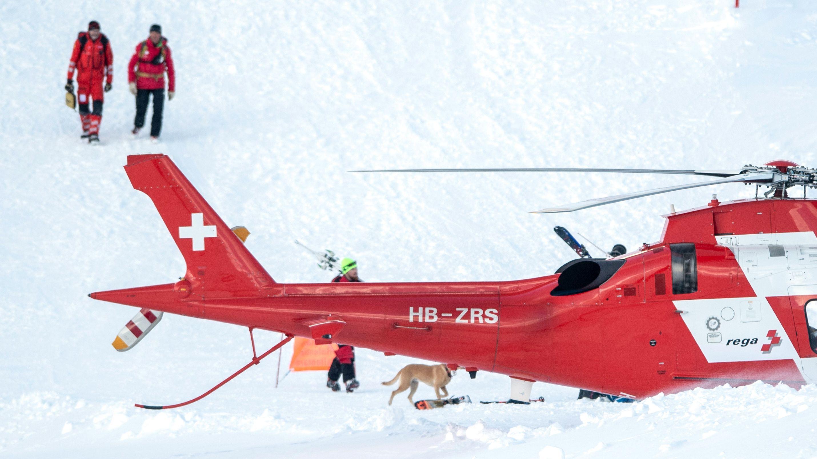 Rettungskräfte im Skigebiet Andermatt-Sedrun