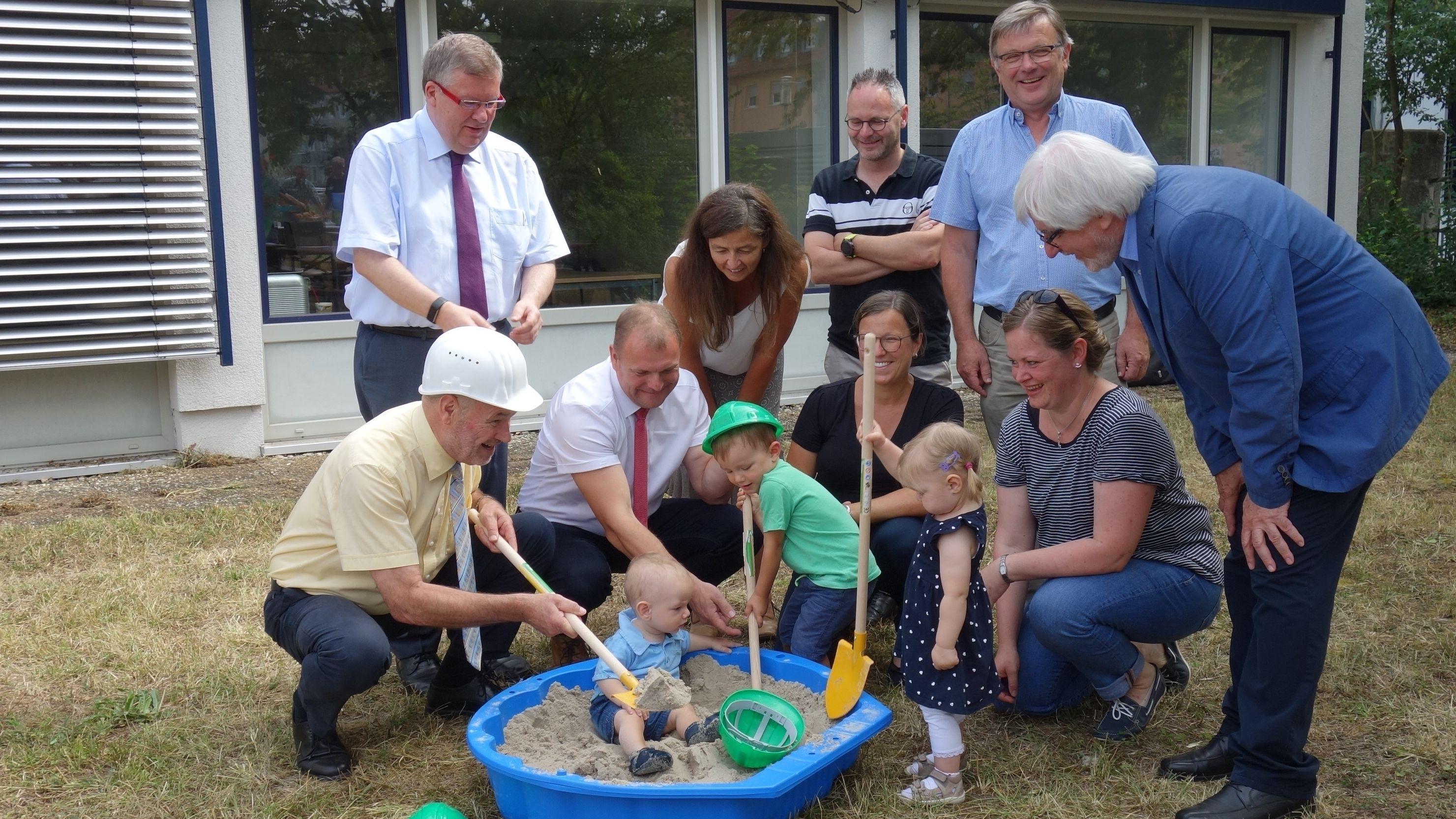 Start zum Bau einer eigenen Kita für das Landratsamt Würzburg