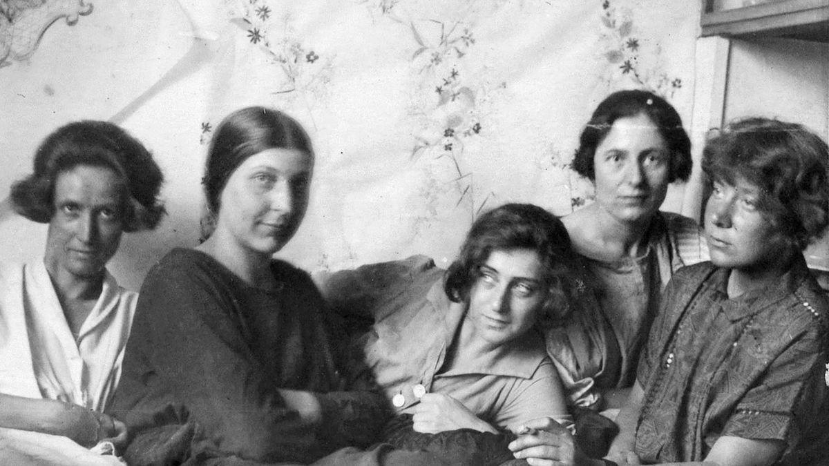 Vornehmlich weiblich: Die Mitglieder der Wiener Werkstätte um 1900