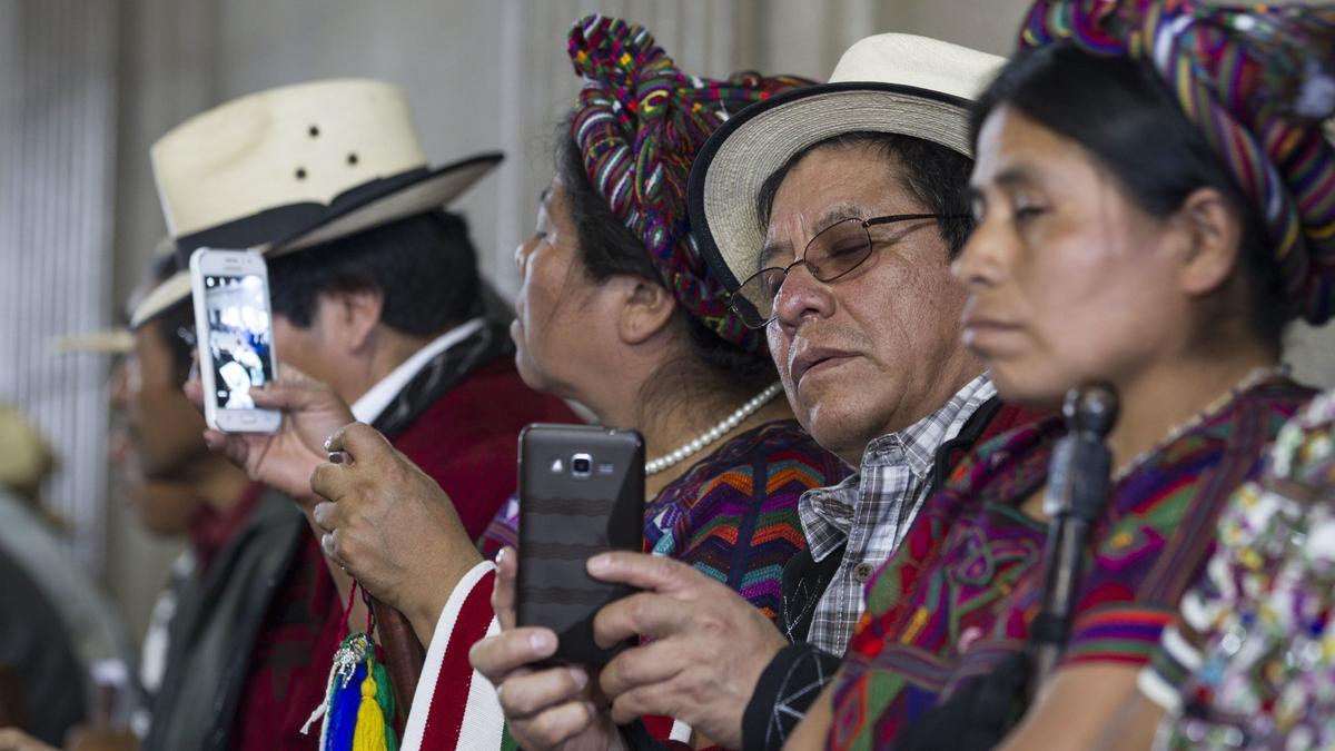 Guatemala-Kongress, 2017: Führer indigener Gruppen folgen einer Debatte über die Justiz