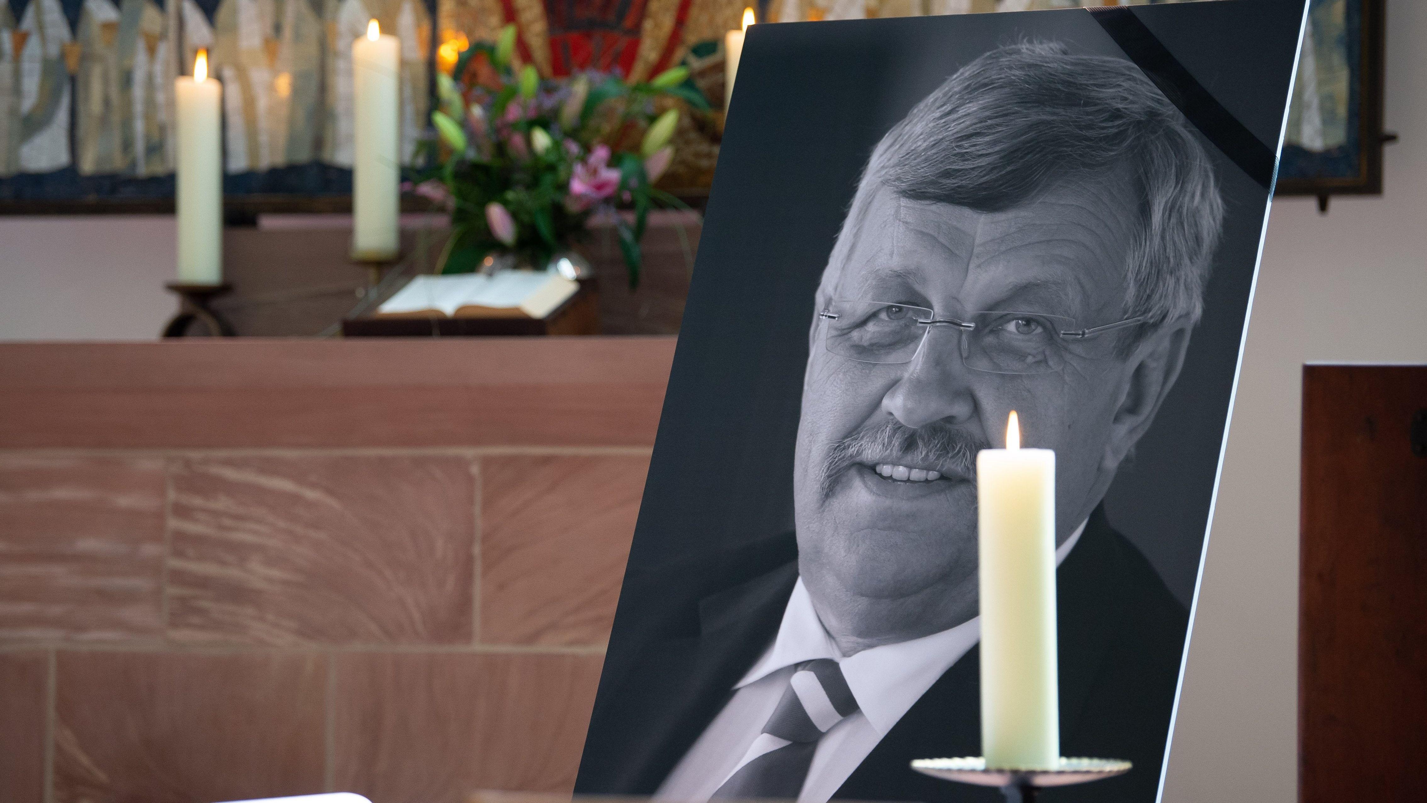 Ein Portrait vom ermordeten Kasseler Regierungspräsidenten W. Lübcke (CDU)