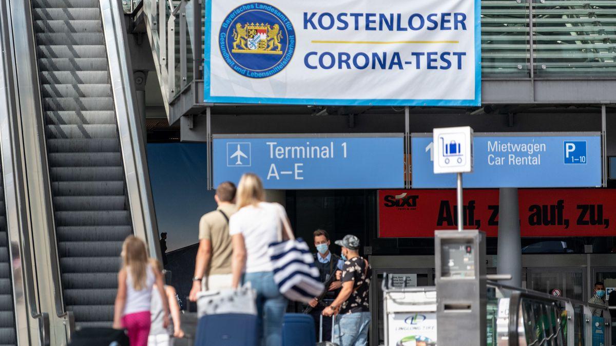 Corona-Teststation am Flughafen in München.