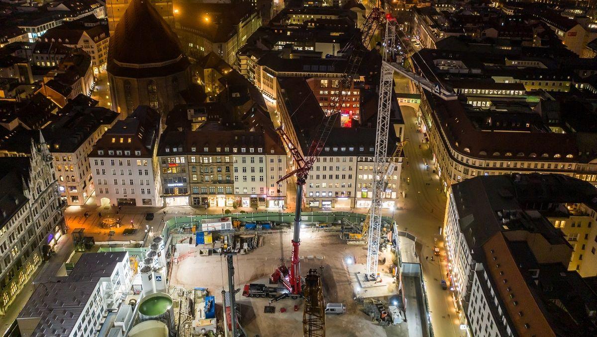 Riesenkran für Stammstrecken-Baustelle in München