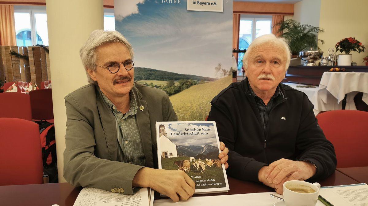 Richard Mergner, Vorsitzender des BUND Naturschutz und Josef Schmid, Vorsitzender der Arbeitsgemeinschaft bäuerliche Landwirtschaft.