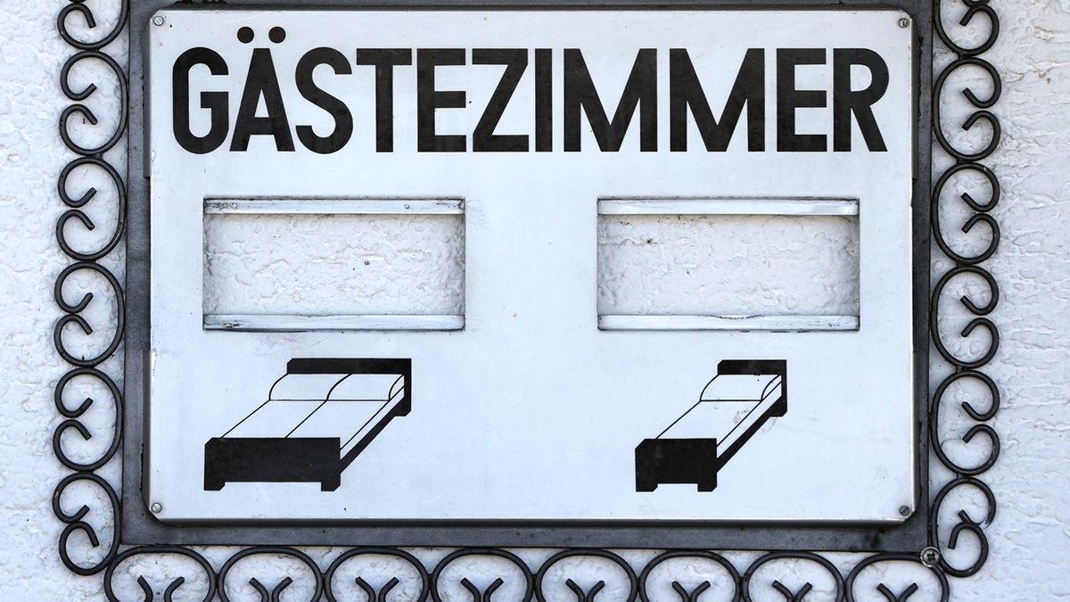 Leerer Hinweis auf Gästezimmer (Symbolbild)