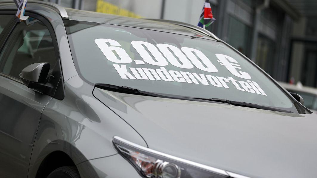 Auto mit Preisschild