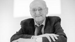 Der Entertainer Alfred Biolek ist tot. Er starb am Freitagmorgen.   Bild:picture alliance/dpa   Rolf Vennenbernd