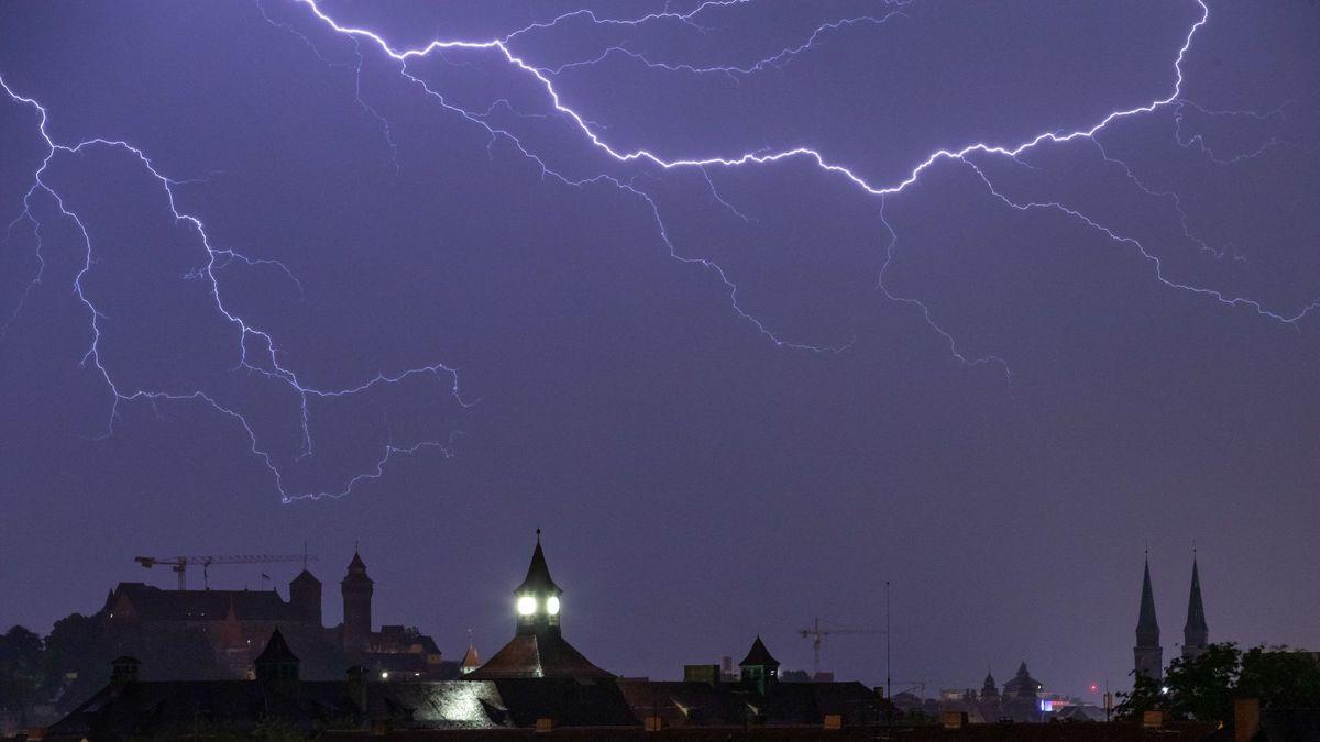 Bereits am Wochenende hatten Unwetter über Bayern gewütet, wie hier in Nürnberg.