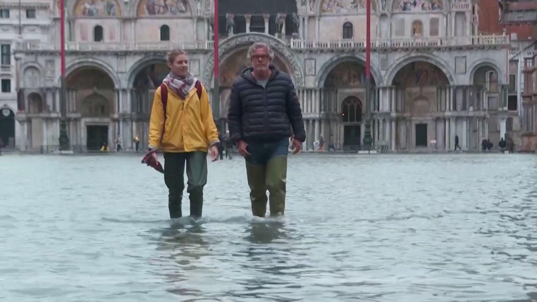 Die Hochwasserlage in Venedig entspannt sich langsam
