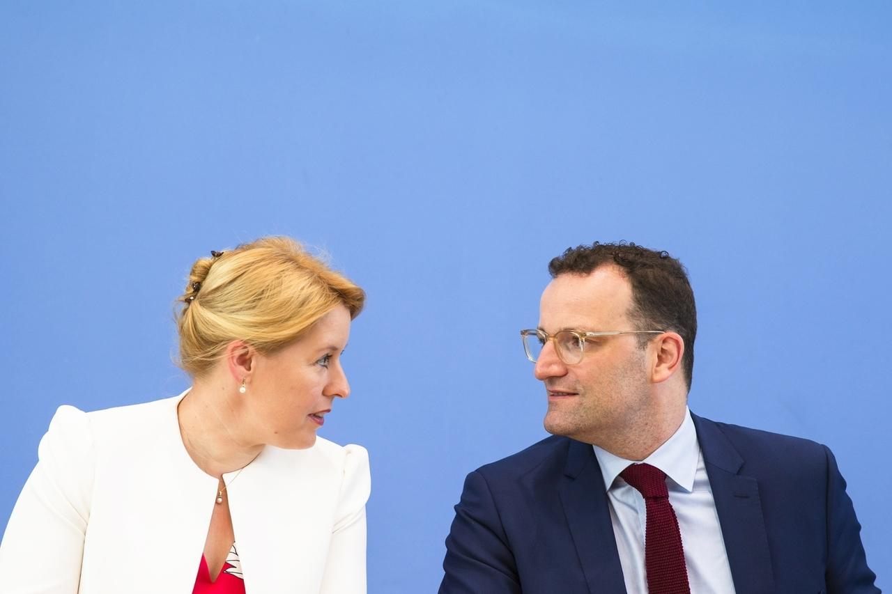Familienministerin Franziska Giffey and Gesundheitsminister Jens Spahn