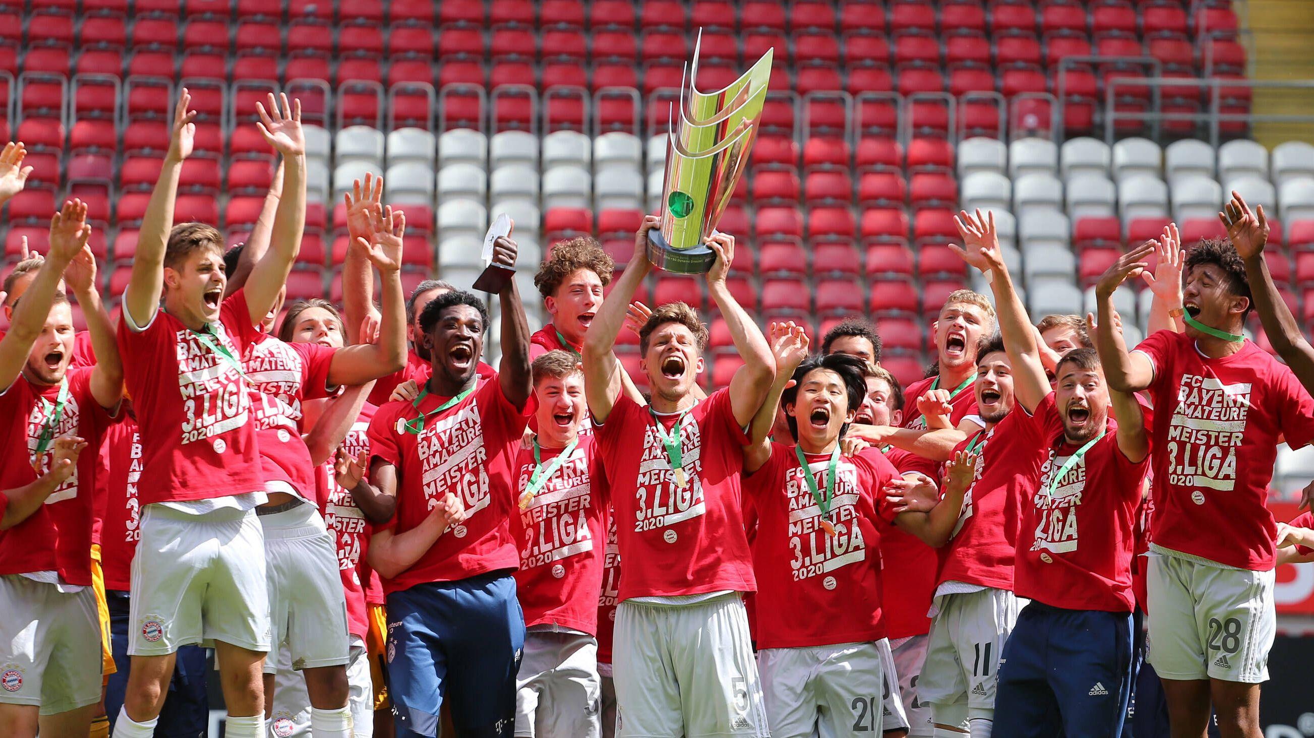 3. Liga: Bayern München II feiert historischen Meistertitel | BR24
