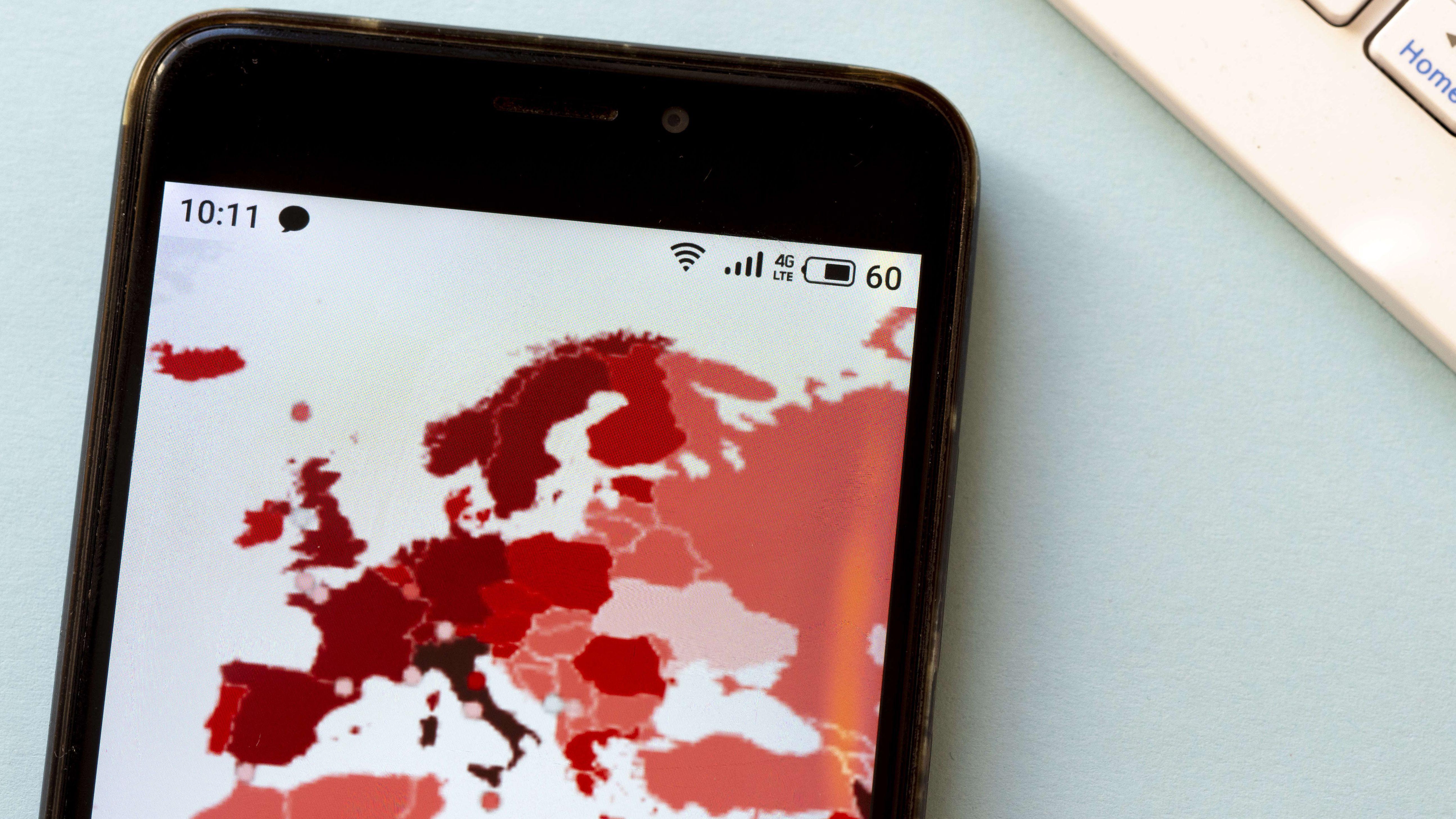 Corona-Karte auf Smartphone
