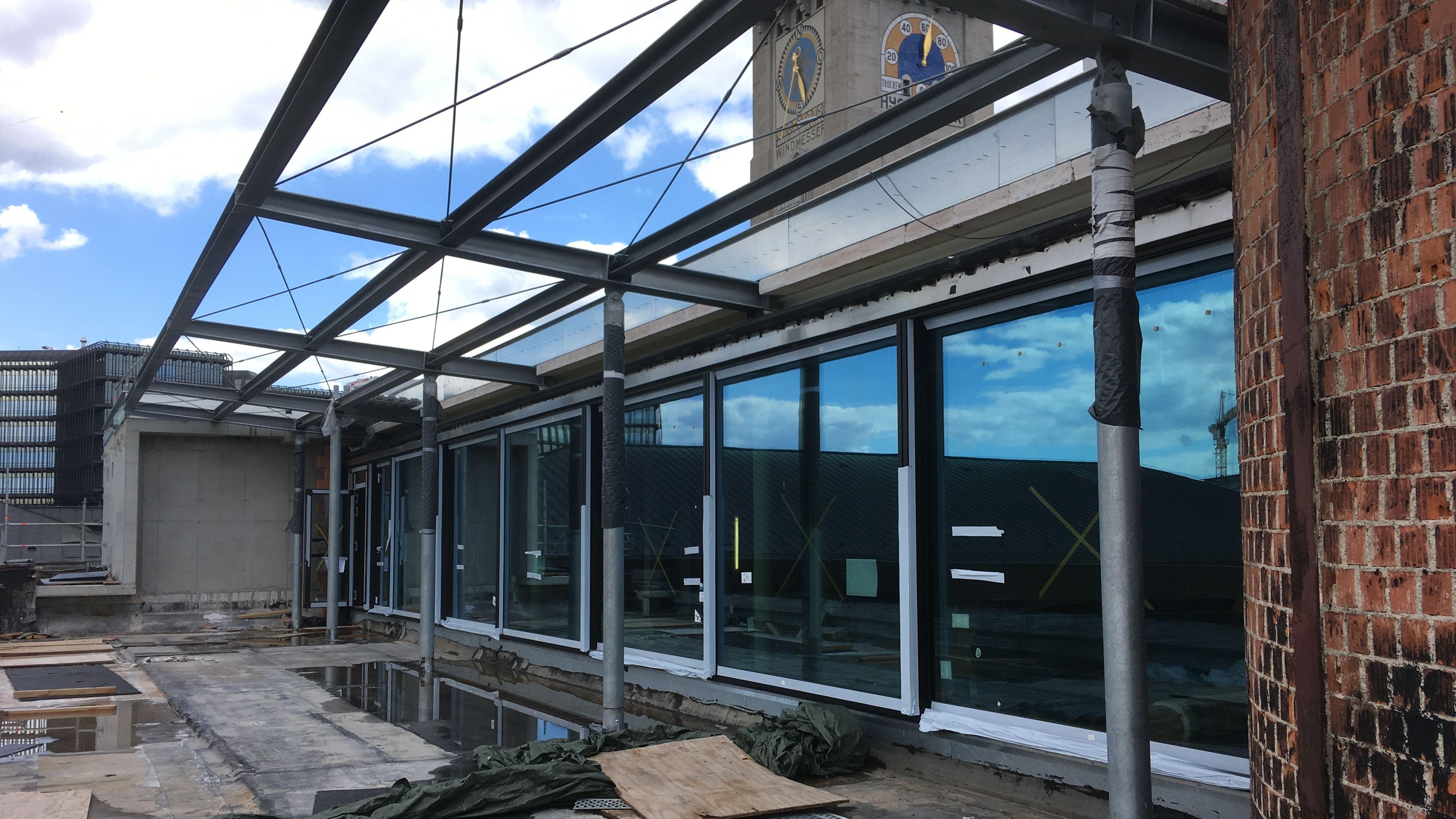 An dieser Stelle entsteht das neue Museumsrestaurant mit einer Terrasse, von der aus man auf die Isar und auf München blickt. Es soll auch abends und von außen besuchbar sein.