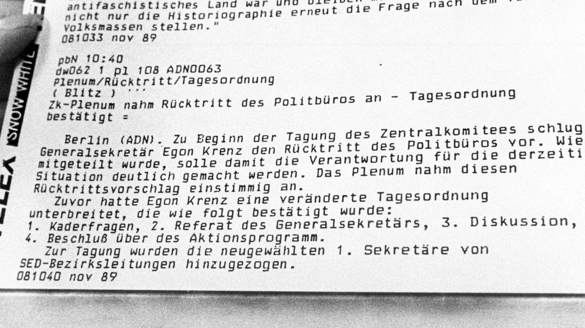 Am Vormittag des 08.11.1989 meldet die staatliche Nachrichtenagentur ADN der Deutschen Demokratischen Republik den Rücktritt des Politbüros.